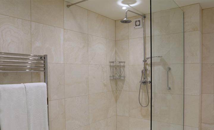 Whernside bathroom